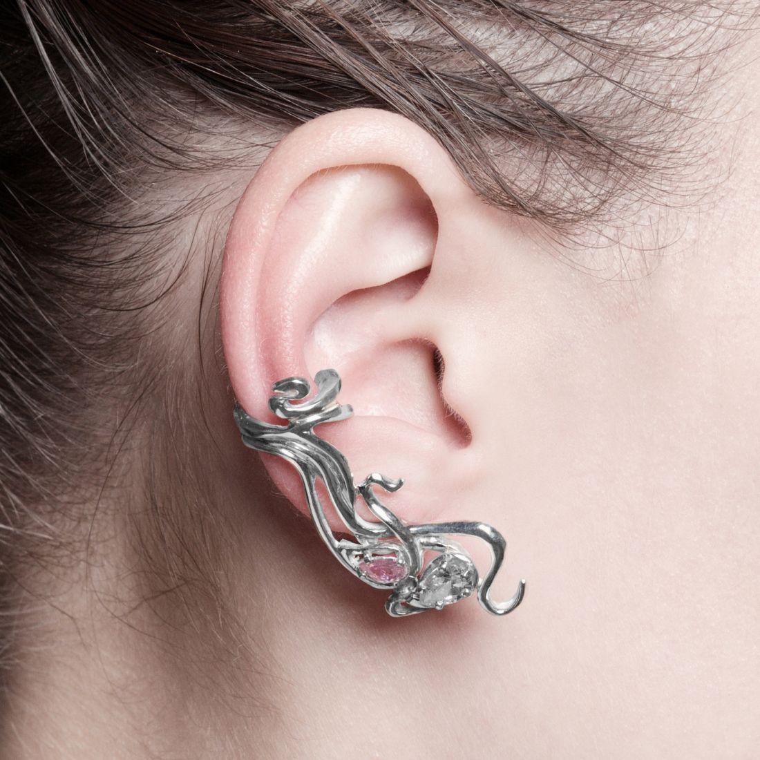 """Кафф """"Вьюн""""  (серебро 925) 2 камня розовый и бесцветный."""